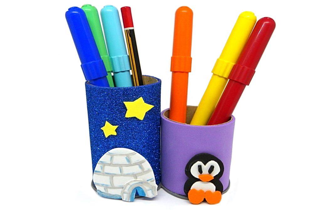 portalapiceros hecho con rollos de papel higienico y goma eva de colores