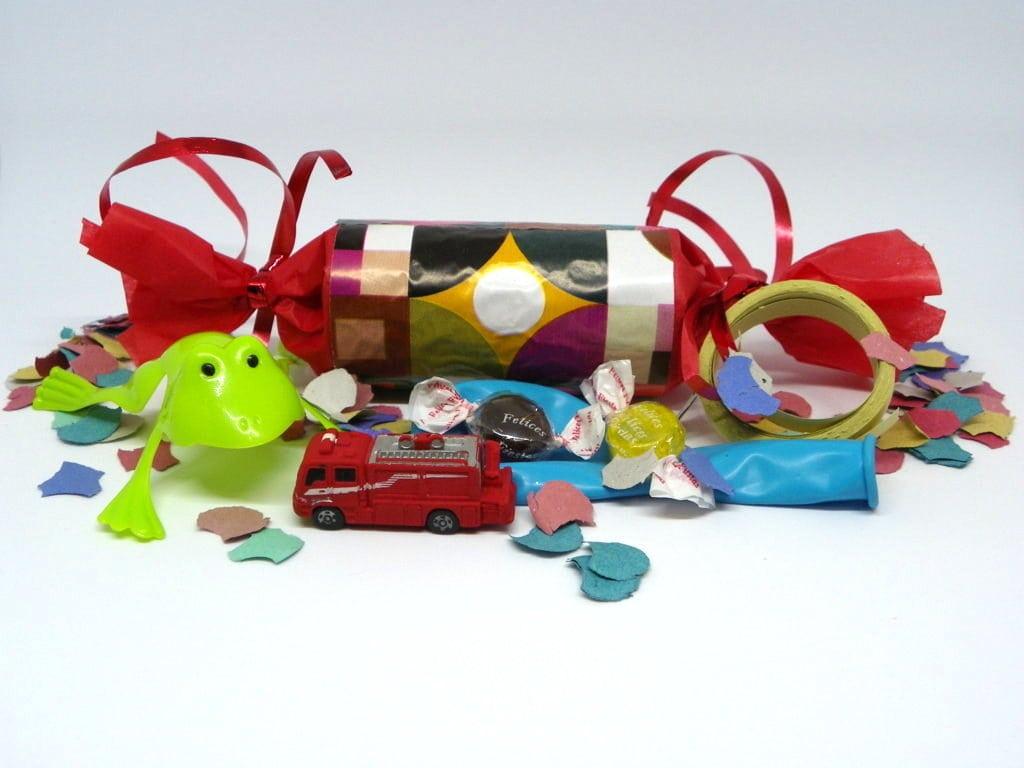 estuches sorpresa con regalos en su interior