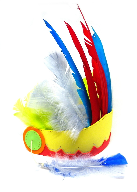 tocado de plumas de colores de los nativos americanos