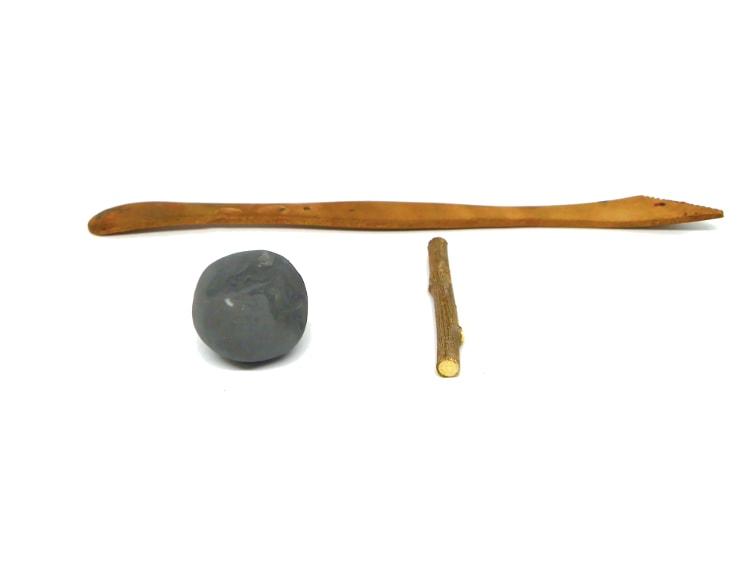 materiales para hacer miniatura decorativa de un hacha de leñador