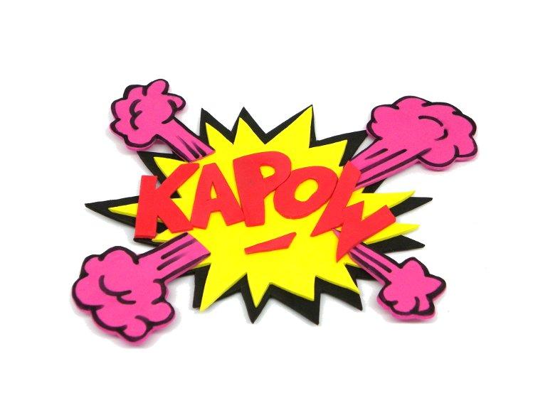 onomatopeya de comic kapow hecha con goma eva de colores