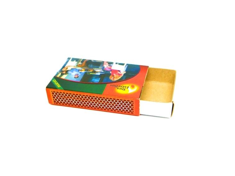 caja de cerillas pequeña