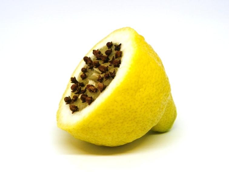 limon con clavos