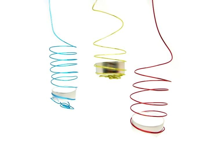porta velas con alambre de colores