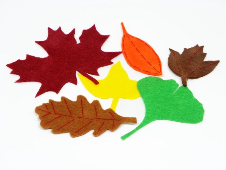 hojas caducas hechas con fieltro de colores