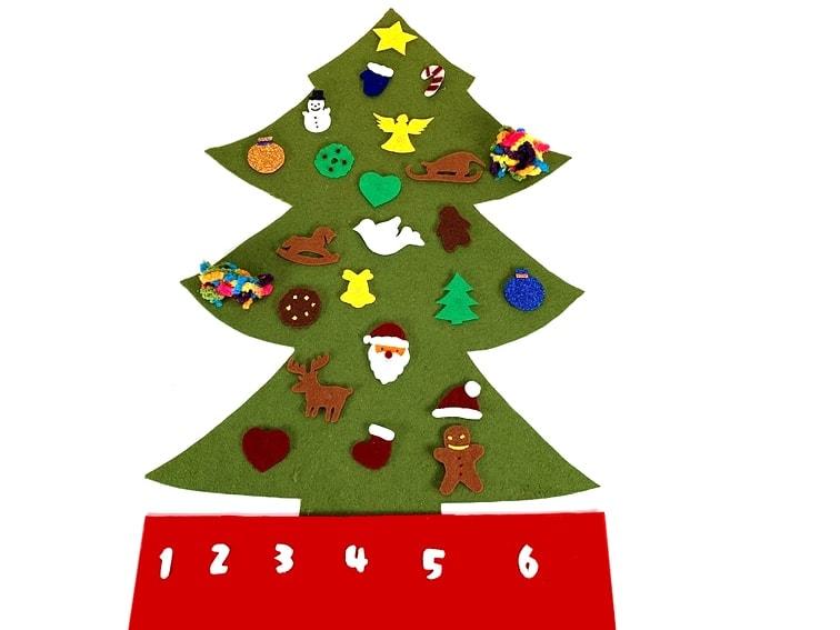 adorno de navidad calendario de adviento con forma de arbol de navidad hecho con fieltro