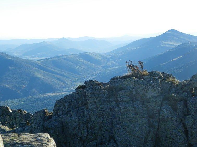 vistas desde el monte abantos de otras montañas
