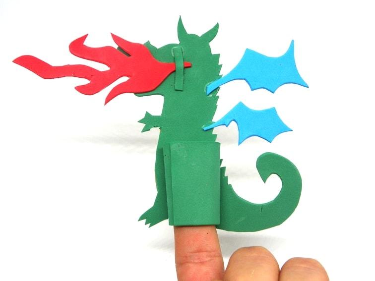 titere de dedo con forma de dragon parte trasera