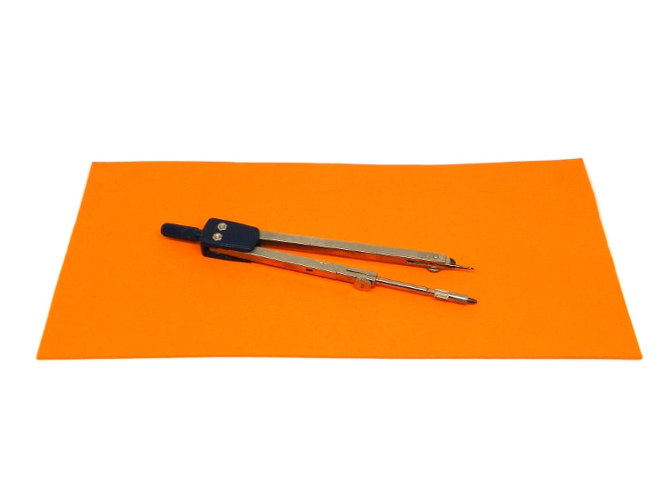 goma eva y compas para hacer base para salvamanteles y posavasos