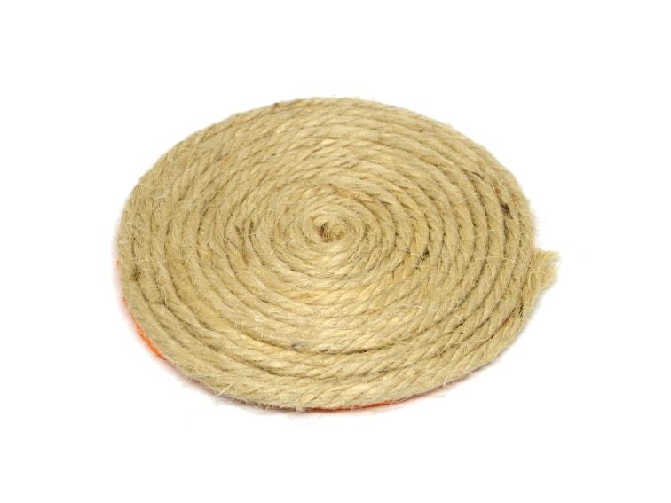 posavasos hecho con cuerda de yute y goma eva