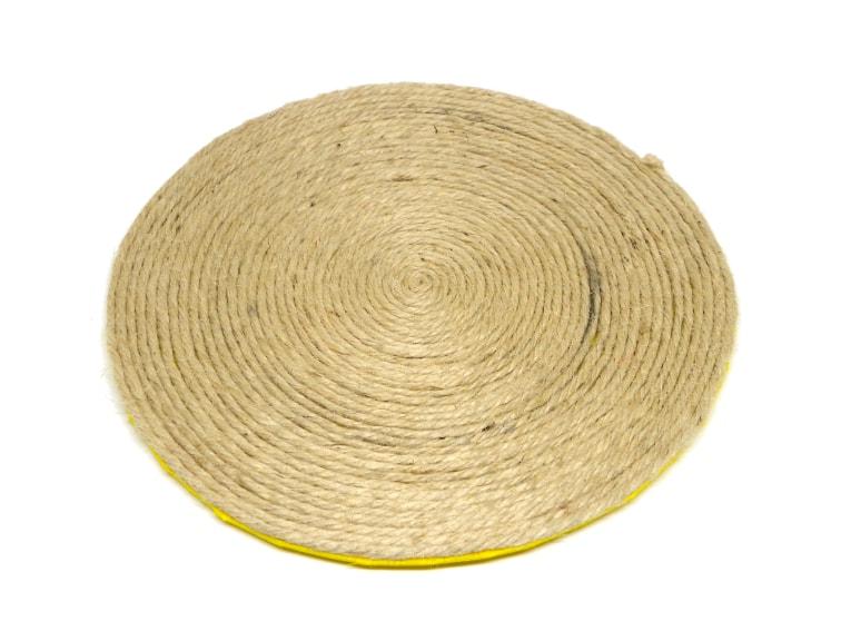 salvamantel hecho con cuerda de yute y goma eva