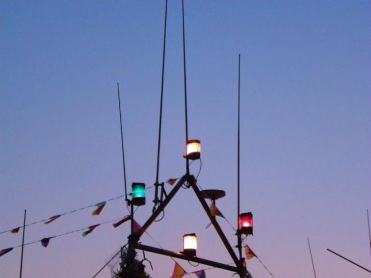 luces de un barco pesquero de santa pola