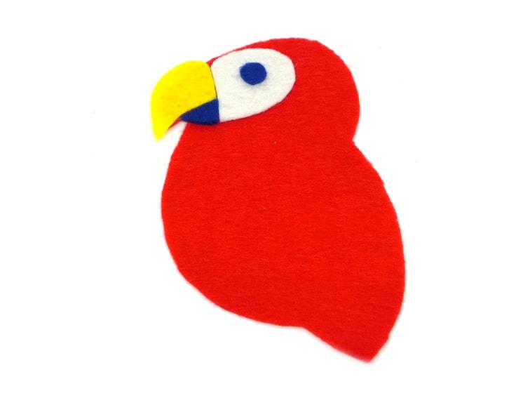 rostro del loro de pirata hecho con fieltro de colores