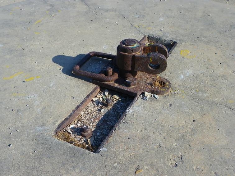 dispositivo para colocar un cañon antiaereo en una bateria de costa situado en la sierra de santa pola