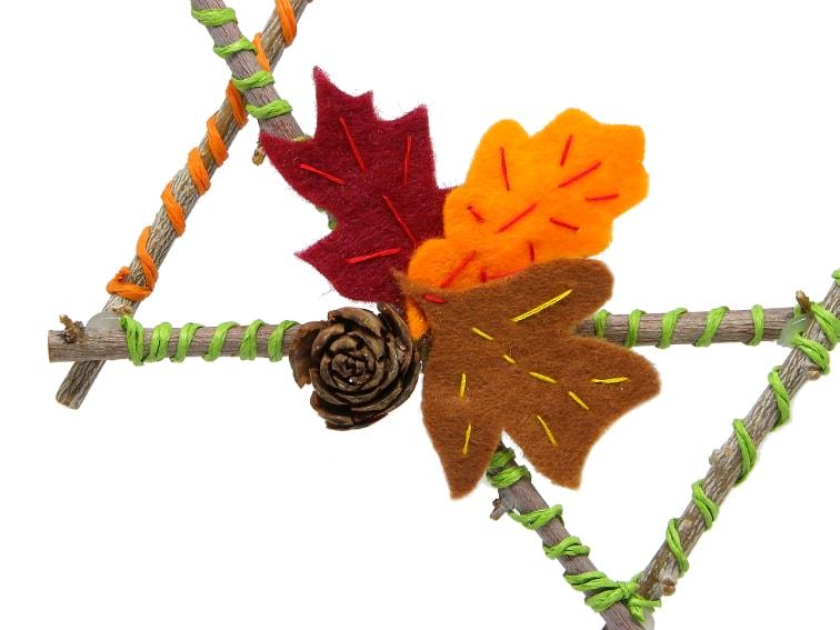 hojas caducas hechas con fieltro para decorar estrella de ramas secas