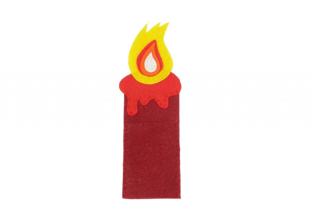 vela hecha con fieltro de colores para elaborar porta cubiertos navideño