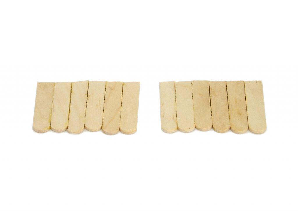 palos planos para manualidades para hacer tejado de la miniatura del pozo