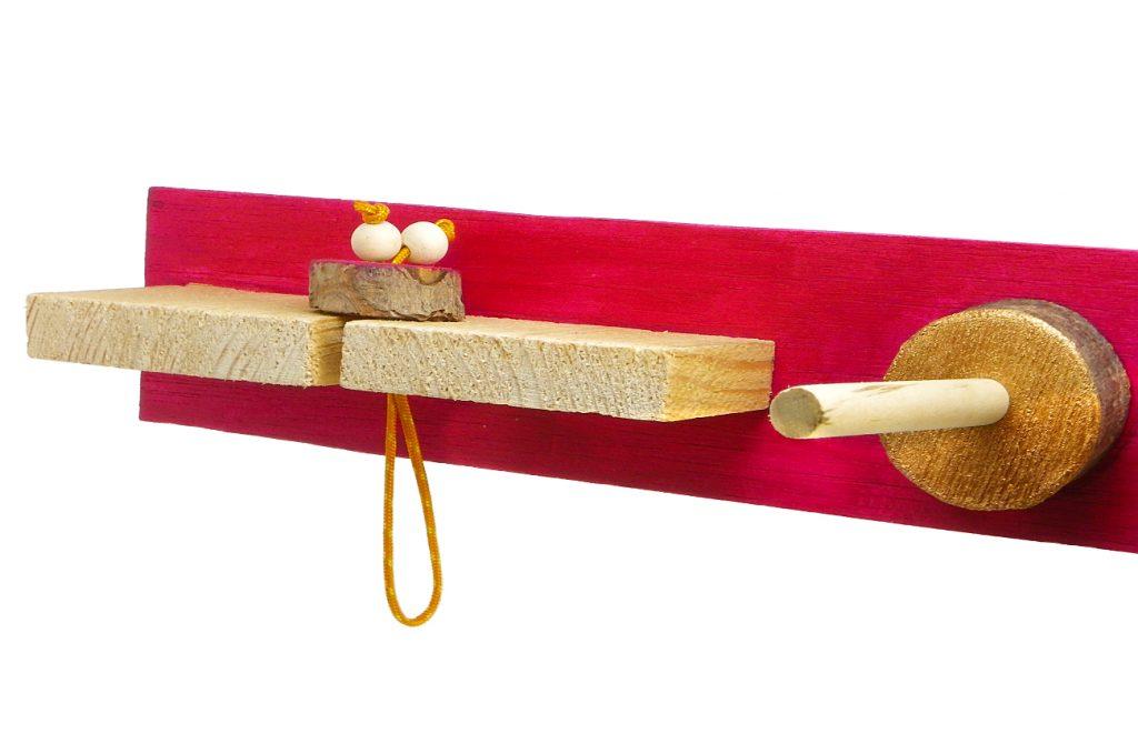 portallaves hecho con distintos tipos de madera