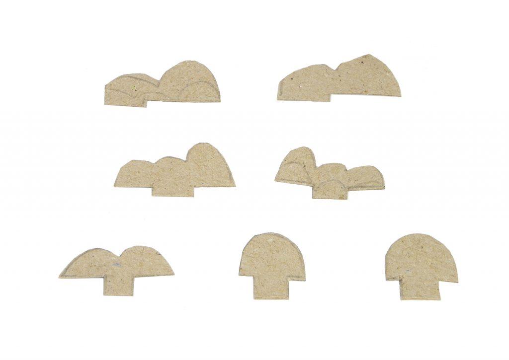 piezas de carton para hacer dientes y ojos del dragon de juguete