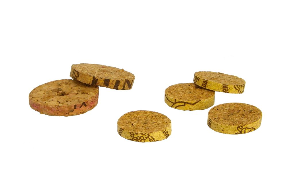 rodajas de tapones de corcho de diferentes grosores y diametros