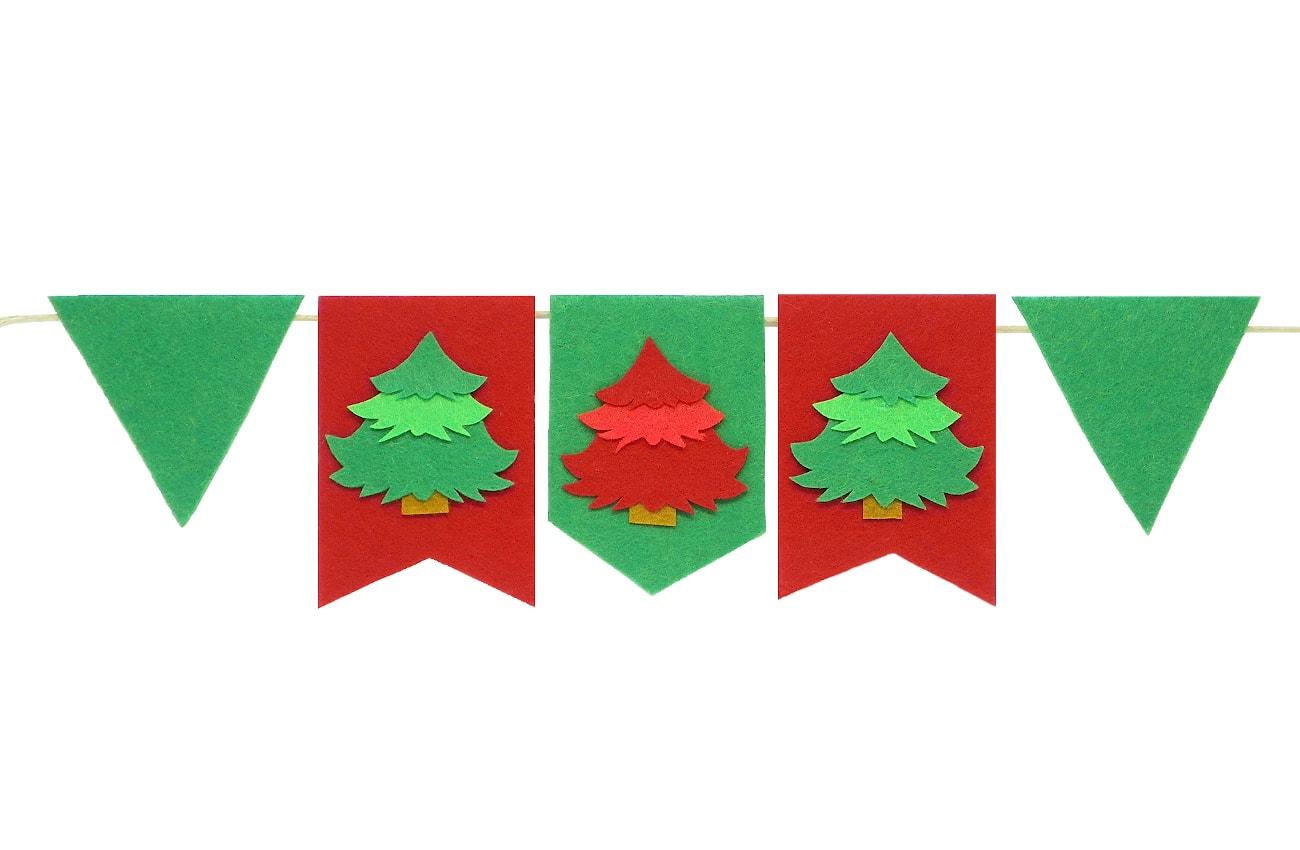 guirnalda de navidad hecha con fieltro de colores