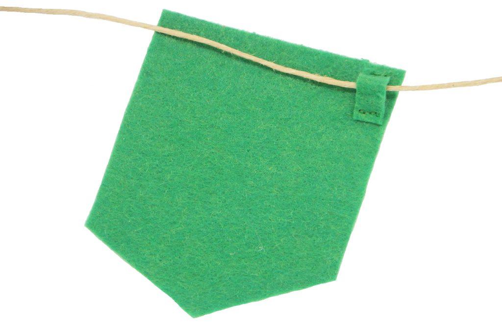 banderin de fieltro con bucle para colocar cuerda