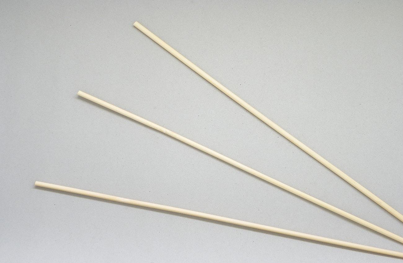 palos finos y redondos para hacer la estructura de una estrella