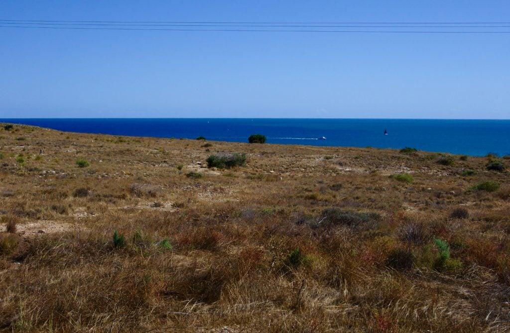 vista del mar desde el camino de tiro pichon sierra de santa pola